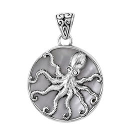 Royal Bali Collection - Mother of Pearl (Rnd) Octopus Disc Pendant in Sterling Silver, Silver wt 5.5