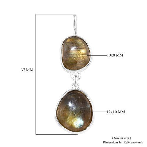 Labradorite Pendant in Sterling Silver 7.50 Ct.