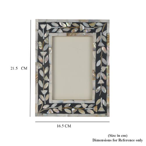 Natural Mother of Pearl Leaves Pattern Handcrafted Picture Frame (Size 4 x 6 Inches) Black