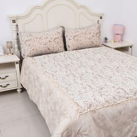 Deluxe Collection - 4 Piece Set  - Luxurious Quality - Filigree Pattern Anti-Allergic Duvet, Fitted