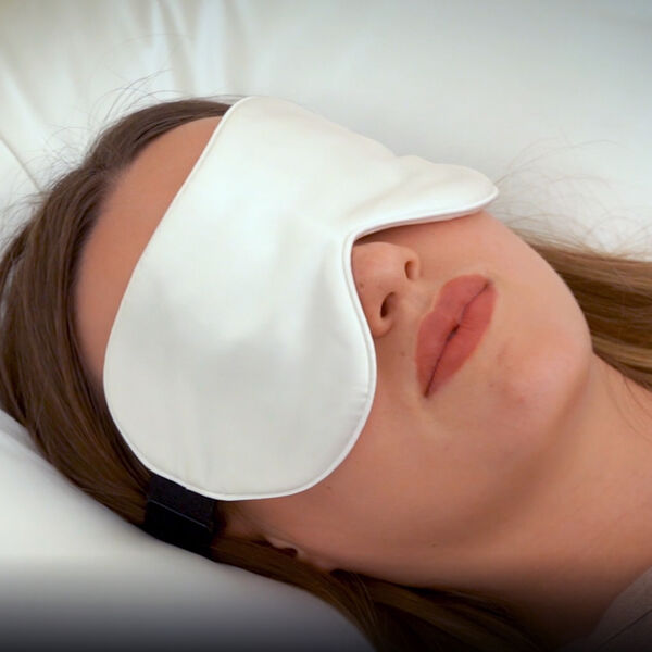 Serenity Night 100% Mulberry Silk Hyaluronic and Argan Oil Infused Eye Mask with Adjustable Elastic Band (Size 23x10cm) - White