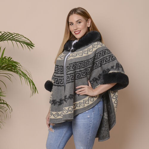 Grey Colour Half Round Shape Blanket Wrap with Faux Fur Collar (Size 109.22 x 80.01cm)