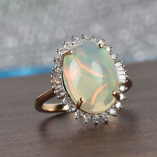 9K Yellow Gold Ethiopian Welo Opal (Ovl 14x10mm) and Diamond (I3/H) Ring 4.65 Ct.