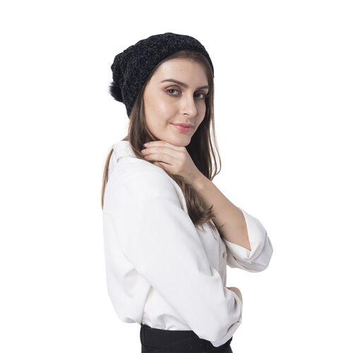 Super Soft Beanie Hat with Faux Fur Pom Pom (One size: 50x31cm) - Black