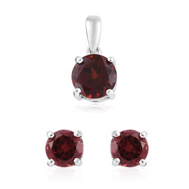 Mozambique Garnet (Rnd) Stud Earrings (With Push Back) and Pendant Set in Platinum Overlay Sterling Silver 1.500 Ct.