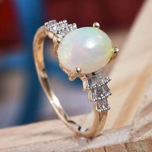 9K Yellow Gold Ethiopian Welo Opal (Ovl 9x7 mm), Diamond Ring  1.400 Ct.