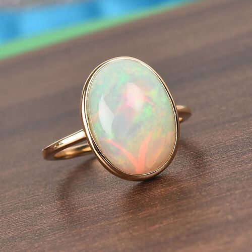 9K Yellow Gold Ethiopian Welo Opal (Ovl 14x10mm) Ring 3.71 Ct.