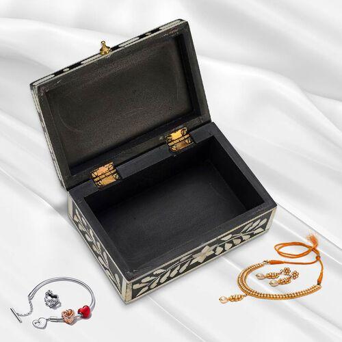 Handmade Bone Inlay Storage Box (Size 15x10x6 Cm) - Black and White