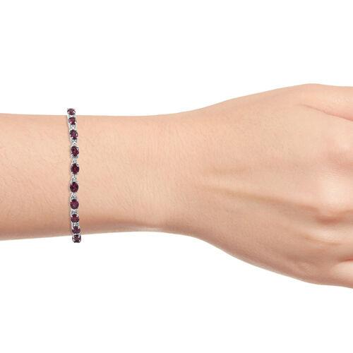 Lotus Garnet (Ovl) Bracelet (Size 7.75) in Platinum Overlay Sterling Silver 10.000 Ct, Silver wt 7.67 Gms.