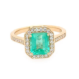 ILIANA 18K Yellow Gold AAA Boyaca Colombian Emerald (Oct 7x7.13mm), Diamond (SI/G-H) Ring 2.05 Ct.