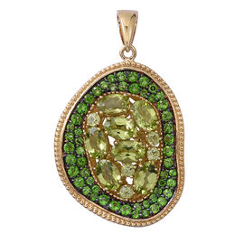 Designer Inspired- Hebei Peridot (Ovl and Rnd), Russian Diopside Pendant in Yellow Gold Overlay Sterling Silver 4.260 Ct, Silver wt 7.80 Gms.