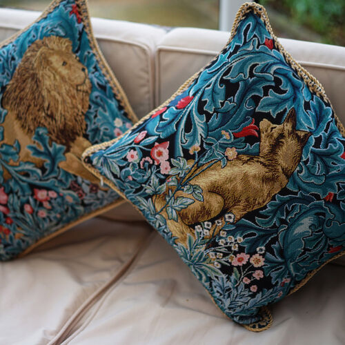 Signare Tapestry Art - Cushion Cover Inspired by William Morris The Lion (45x45cm)