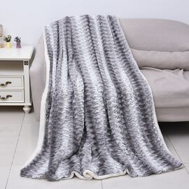 High Quality Faux Fur Sherpa Blanket (150x200 cm) - White and Light Grey
