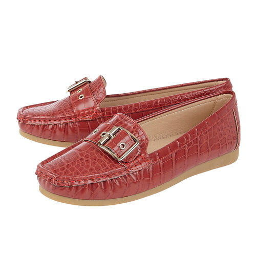 Lotus Red Cory Slip-On Loafers (Size 3)
