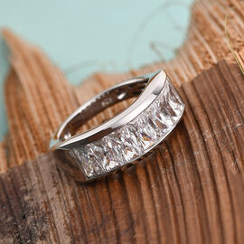 Swarovski Zirconia  Ring in Platinum Overlay Sterling Silver 4.41 ct  4.410  Ct.