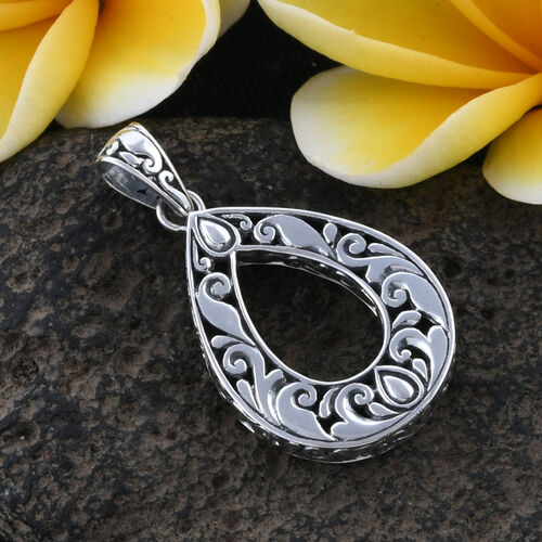 Royal Bali Collection Sterling Silver Filigree Pendant, Silver wt 8.69 Gms.