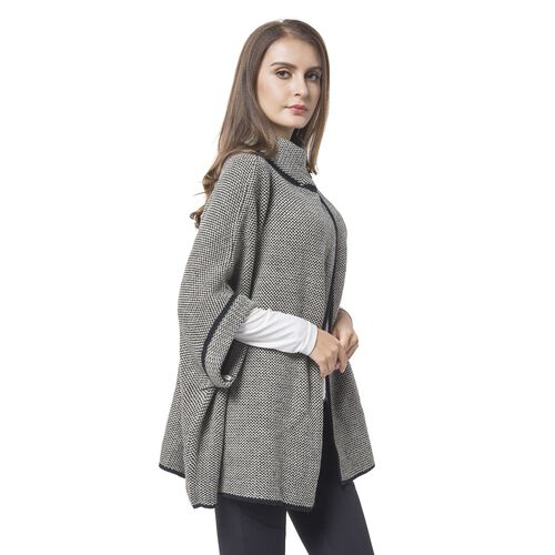 Black and White Colour Cape with Metallic Lock at Neck (Size 80X73 Cm)