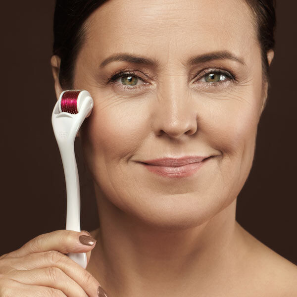 CB&CO: Active Derma Roller (0.3mm) - White