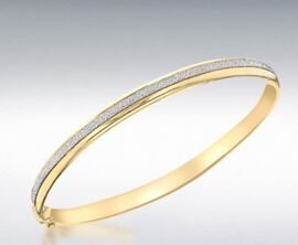 Hatton Garden Close Out 9K Yellow Gold Oval Stardust Bangle (Size 7), Gold wt. 5.13 Gms