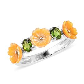 Yellow Mother of Pearl (1.00 Ct),Russian Diopside Sterling Silver Ring  1.400  Ct.