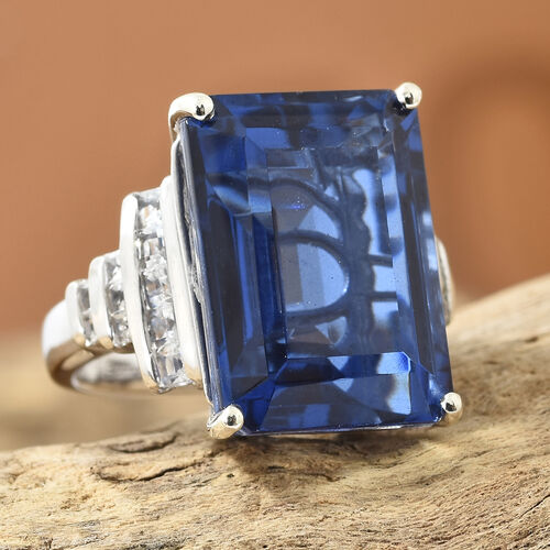 Ceylon Colour Quartz (Oct 18.35 Ct), White Topaz Ring in Platinum Overlay Sterling Silver 19.250 Ct, Silver wt 5.66 Gms
