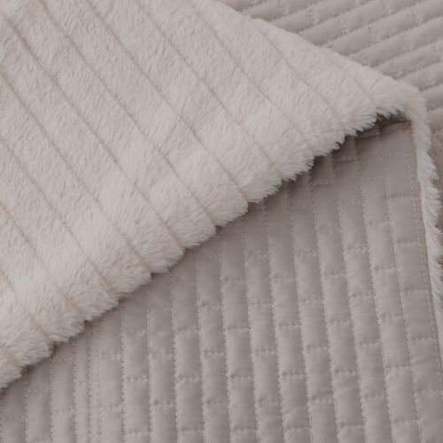 Matt Sateen Woven Quilted Blanket with Faux Fur Border in Ivory Colour (150x200 cm)