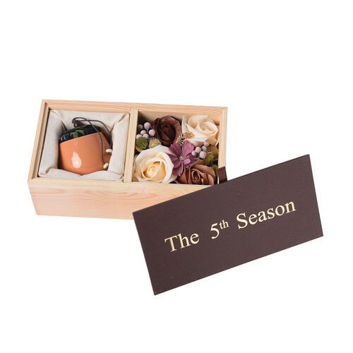 The 5th Season Scented Soy Wax Candle with Artificial Flowers in Wooden Gift Box - Orange