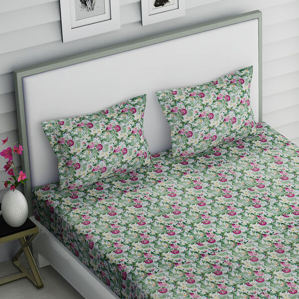 4 Piece Set : Tropical Floral Printed Microfibre Sheet Set including Flat Sheet (275x265cm), Fitted Sheet (150x200+30cm) and Pillow Cases (2Pcs - 50x75cm) - (Size King) - Green and Multi