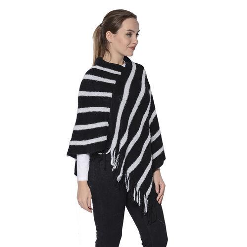 Stripe Pattern Poncho in Black and White (54x70cm)