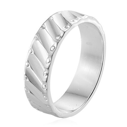 Designer Inspired- Diamond Cut High Polished Sterling Silver Ring, Silver wt 2.70 Gms.