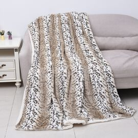High Quality Faux Fur Sherpa Blanket (150x200 cm) - Light Brown, White and Green