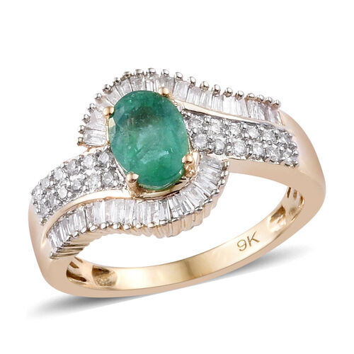 1.25 Carat AAA Emerald and Diamond Halo Ring in 9K Gold 3.5 Grams