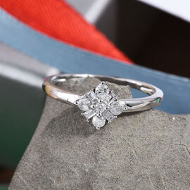 0.2 Ct Diamond Floral Ring in 9K White Gold 1.58 Grams