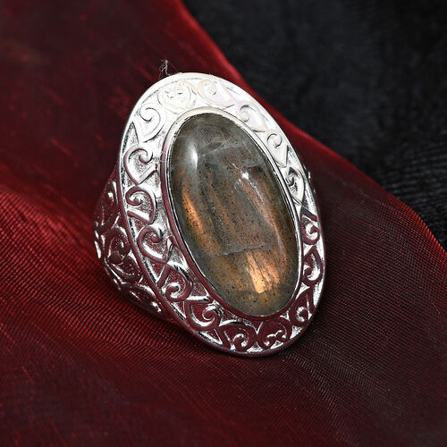 Fire Labradorite Ring with Magnet in Silver Tone