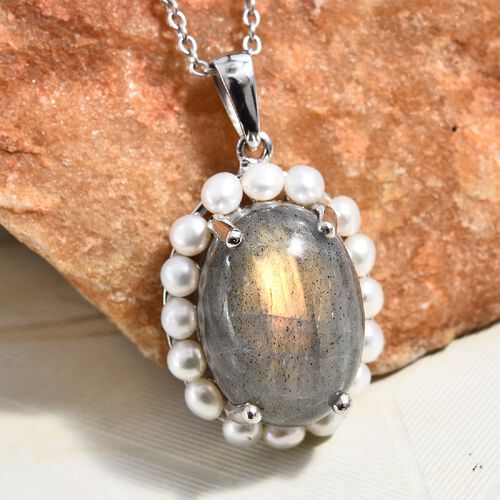 100% Natural Fire Labradorite (Ovl 18x13 mm), Freshwater Pearl Pendant with Chain (Size 18) in Platinum Overlay Sterling Silver 17.00 Ct, Silver wt 5.70 Gms