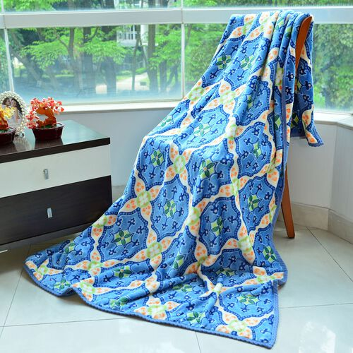 Superfine 290 GSM Microfibre Printed Flannel Blanket with Kaleidoscope Design and Knitted Border 150X200 cm