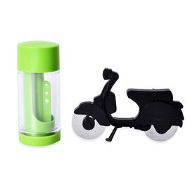 Set of 2 - Motorbike Pizza Cutter (Size 17.5x11.5 Cm) and 2-in-1 Herb Mill (Size 7x16 Cm) - Green an