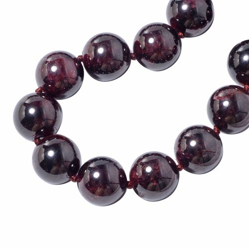 Collectors Edition- Extremely Rare Size AAA Mozambique Garnet (Rnd 16-18 mm) Necklace (Size 20) in Sterling Silver 1263.50 Ct.