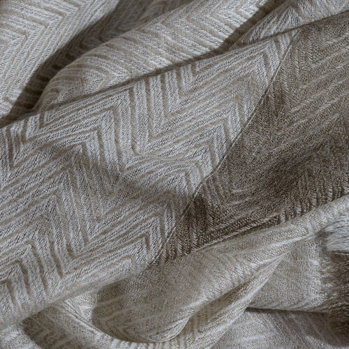 100% Cashmere Wool Dark Grey, Off White and Light Grey Colour Zigzag Pattern Shawl with Fringes (Size 200X65 Cm)