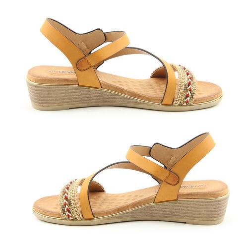 Heavenly Feet Garnet Tan Ladies Wedge Sandals (Size 5)