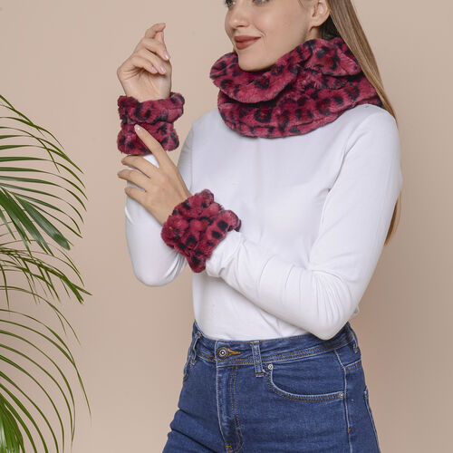 2 Piece Set - Leopard Skin Pattern Faux Fur infinity Scarf (Size 32x24cm) and Hand Cuffs (Size 9.5x12cm) - Wine