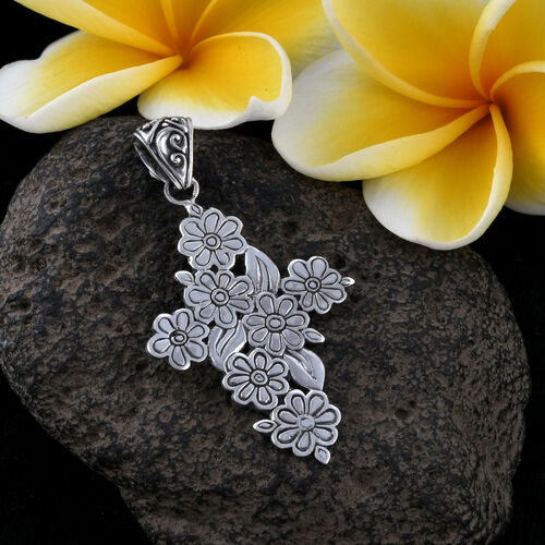 Royal Bali Collection Sterling Silver Floral Cross Pendant, Silver wt 9.43 Gms.