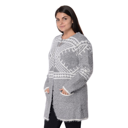 Soft and Smooth Winter Africa Addio Pattern Sweater Coat with 2 Pockets (Size 53x81 Cm) - Grey and White