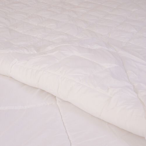 White Colour 4-Seasons Single-Size Quilt (Size 200x135 Cm, Weight 296+222 Gsm)