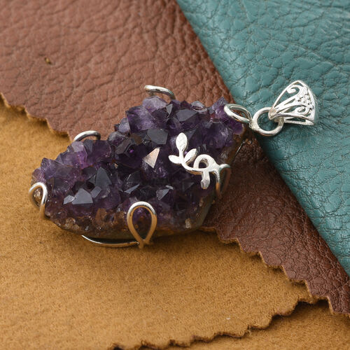 Amethyst Geode Pendant in Sterling Silver 60.000 Ct.