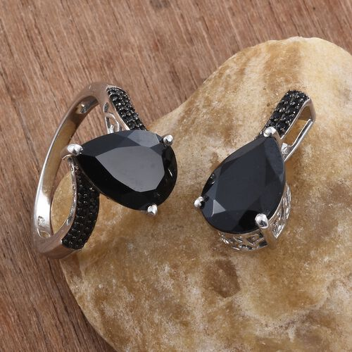 Boi Ploi Black Spinel (Pear) Ring and Pendant in Platinum Overlay Sterling Silver 12.500 Ct. Silver wt 5.55 Gms.
