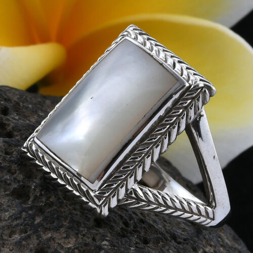 Royal Bali Collection Mother of Pearl Ring in Sterling Silver, Silver wt 5.20 Gms.