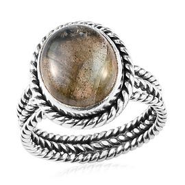 Labradorite (Ovl) Ring (Size S) in Sterling Silver 5.86 Ct, Silver wt 3.50 Gms
