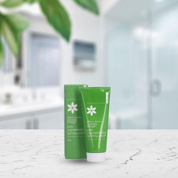 Blossom Kochhar: Aroma Magic Anti Pigmentation Glossy Pack - 100gm
