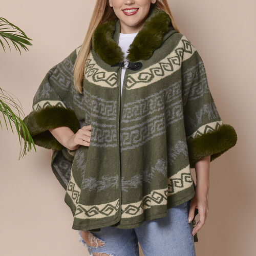 Green Colour Half Round Shape Blanket Wrap with Faux Fur Collar (Size 109.22 x 80.01cm)
